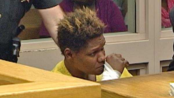 Geanna Mitchell in court.jpg
