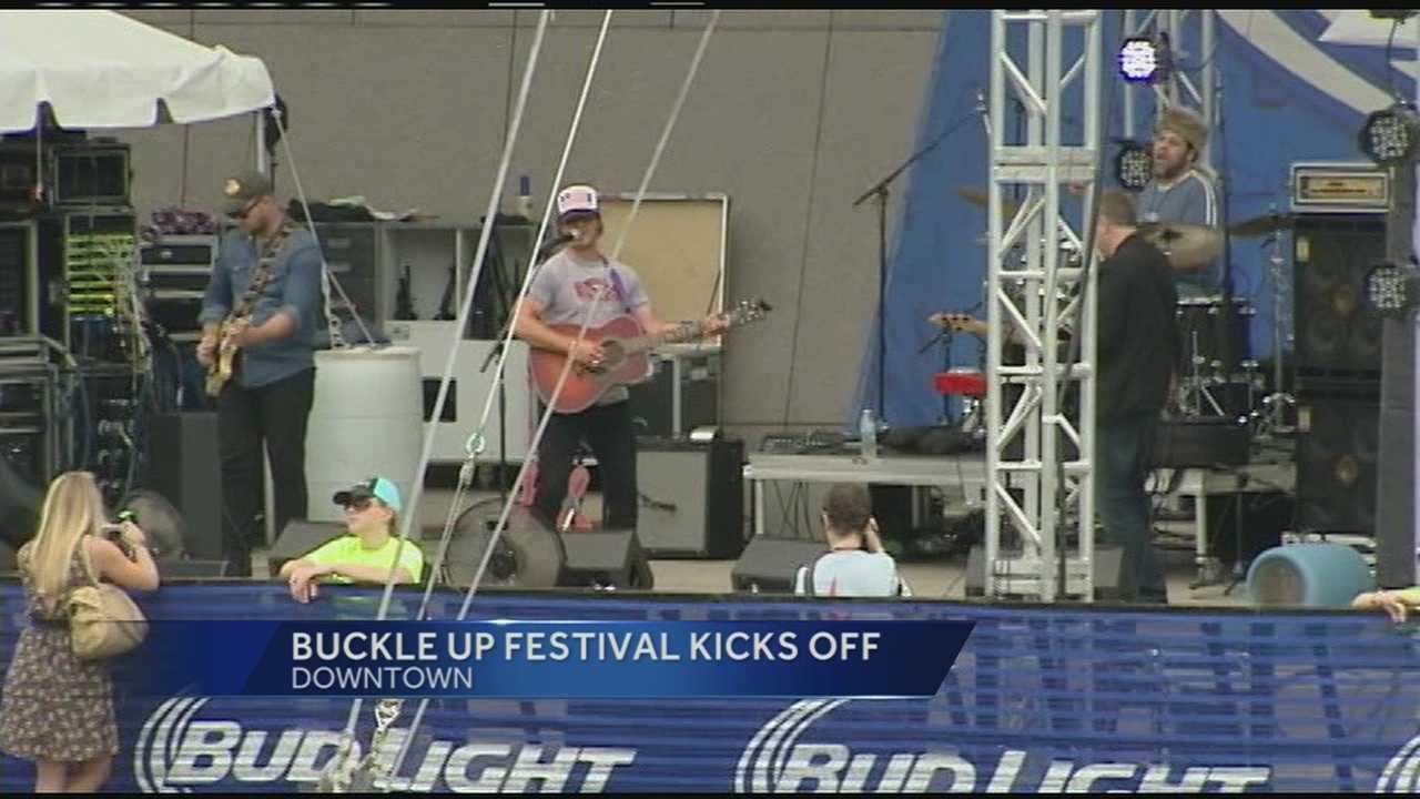 Country music fans head to Buckle Up Festival
