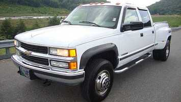 1. 1999 Chevrolet Pickup (full size)
