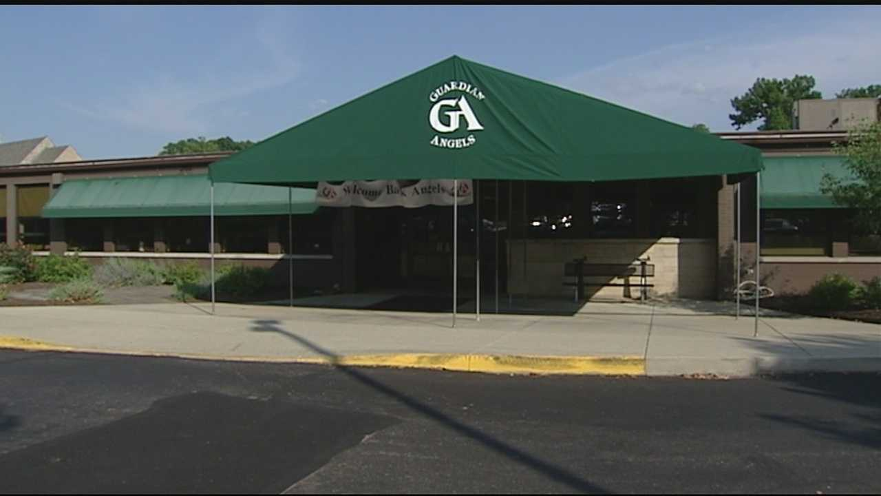 Man with stroller tries to lure students at Guardian Angels School