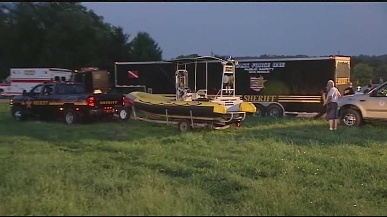 Crews suspend search for 8-year-old missing in Great Miami River