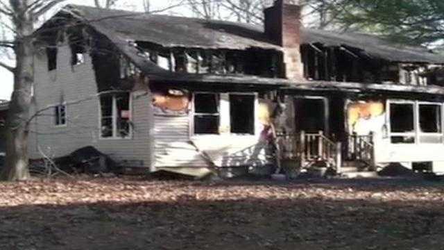 Investigators return to scene of deadly house fire