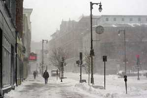 4 tie: On January 24, 1935 and February 16, 1934, 20.4 inches of snow fell in Portland.