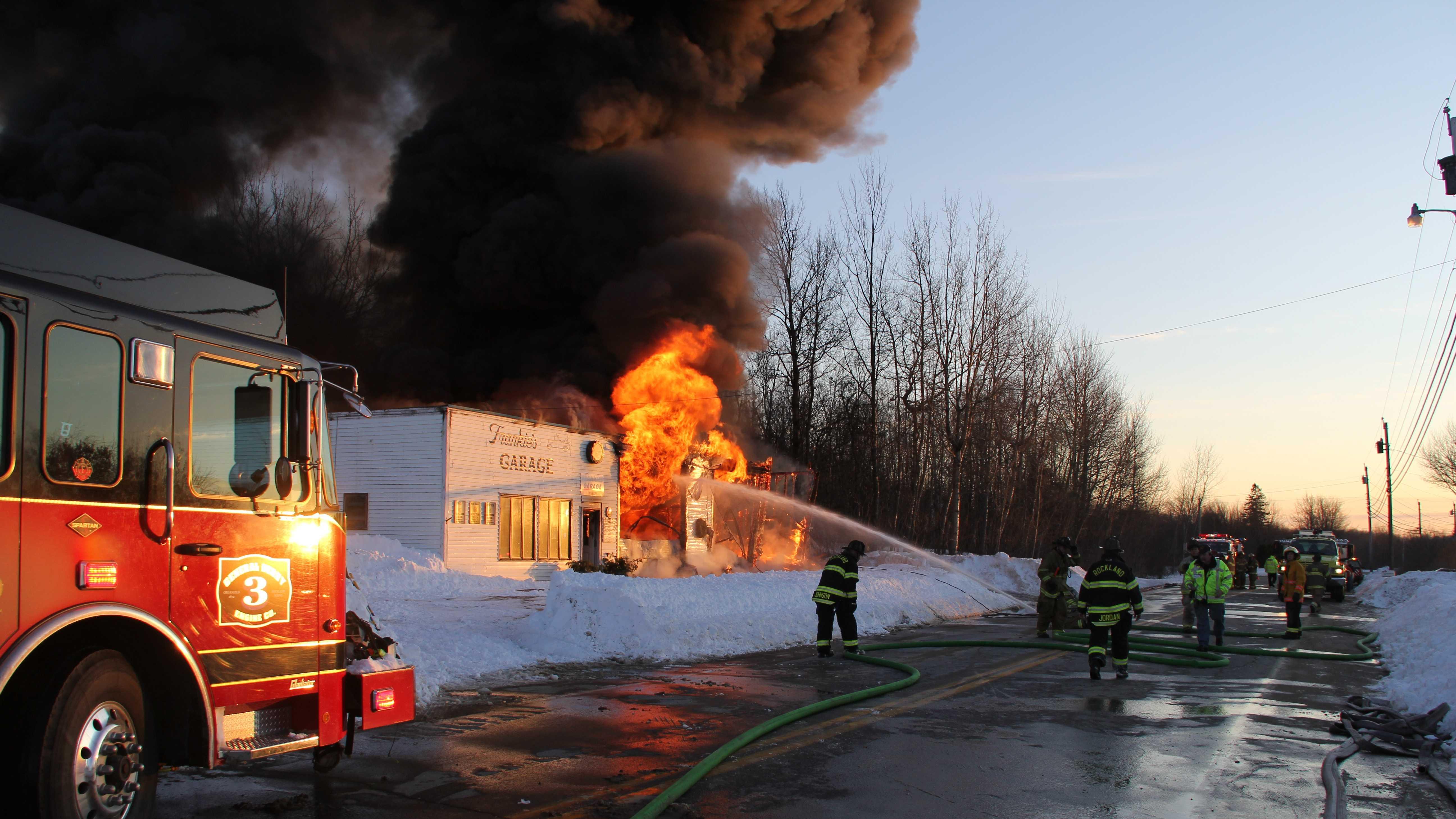 Fire hits garage in Owls Head