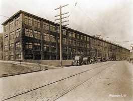 Lunn Swett Shoe Company from 1920.