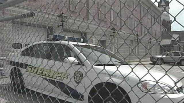 Jail, Sheriff car
