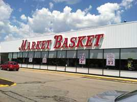 Market Basket workers and customers have started a petition drive to show their support for the company's CEO, who faces possibly being fired the Board of Directors this week.