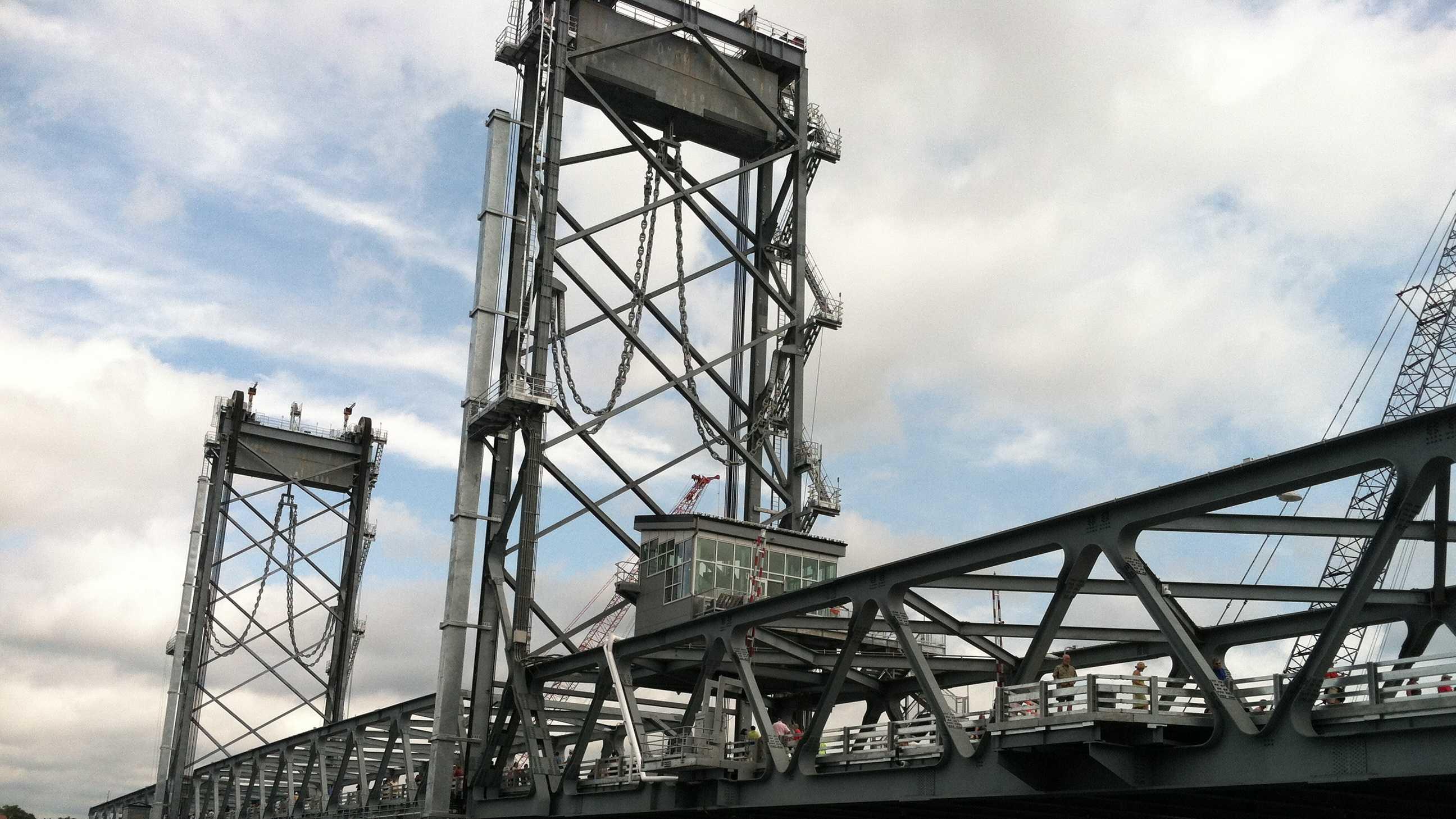 Memorial Bridge26.JPG