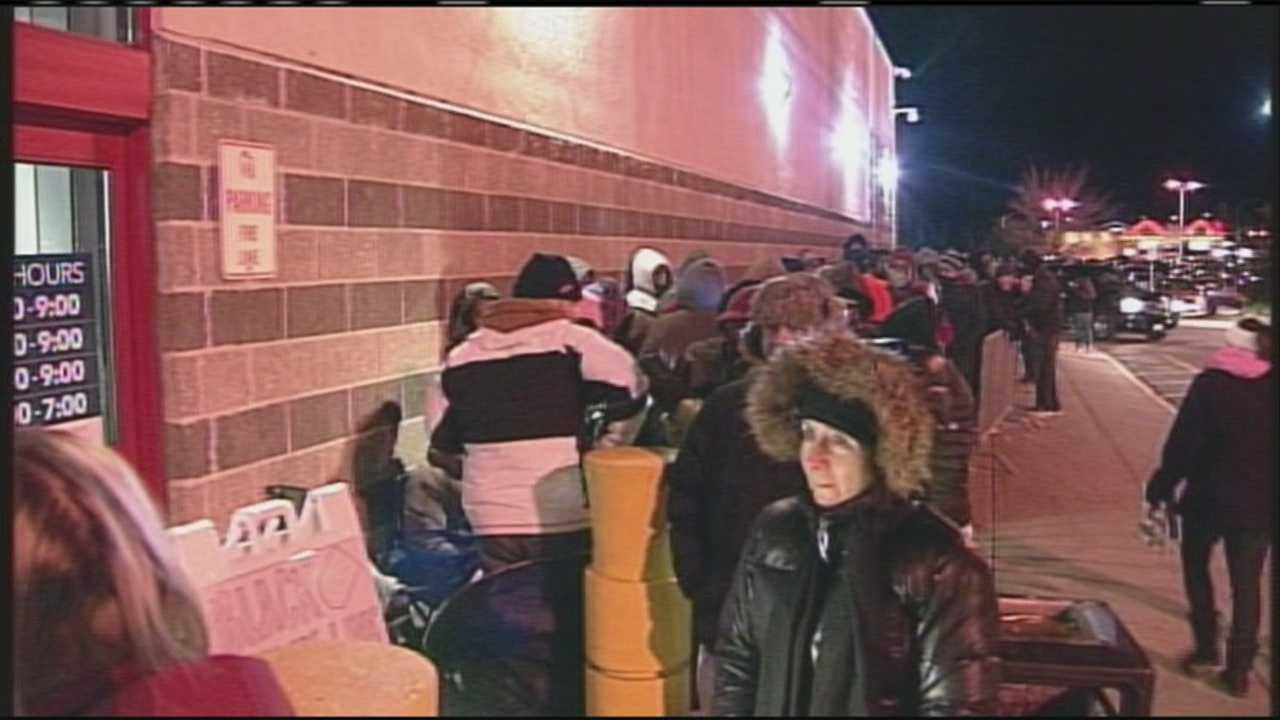 Holiday shopping season kicks off with early morning Black Friday deals