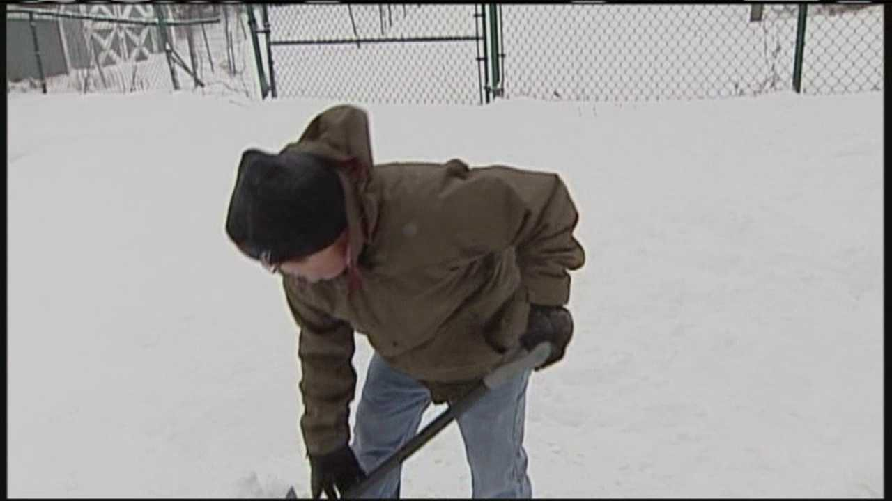 PORT img-Mainers spend Sunday digging out