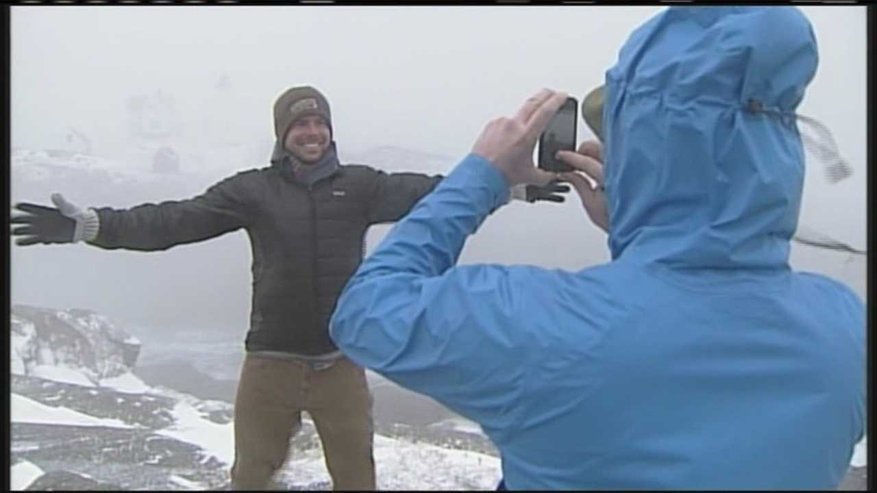 img-Mainers flock to coast despite storm