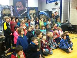 A nationally renowned speed painter gave students at a York County elementary school a history lesson through art.