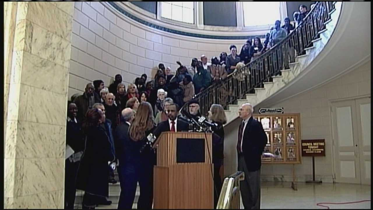 LePage Administration considers public assistance cut for immigrants