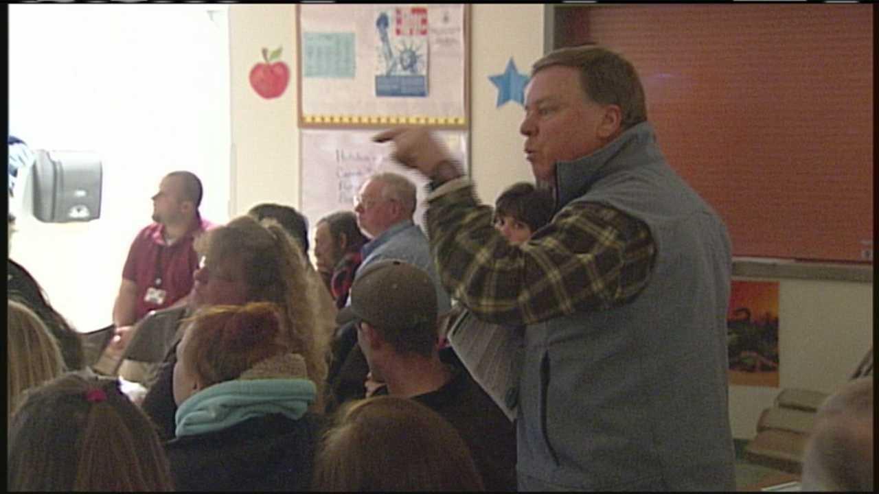 Hebron meeting addresses school oil leak