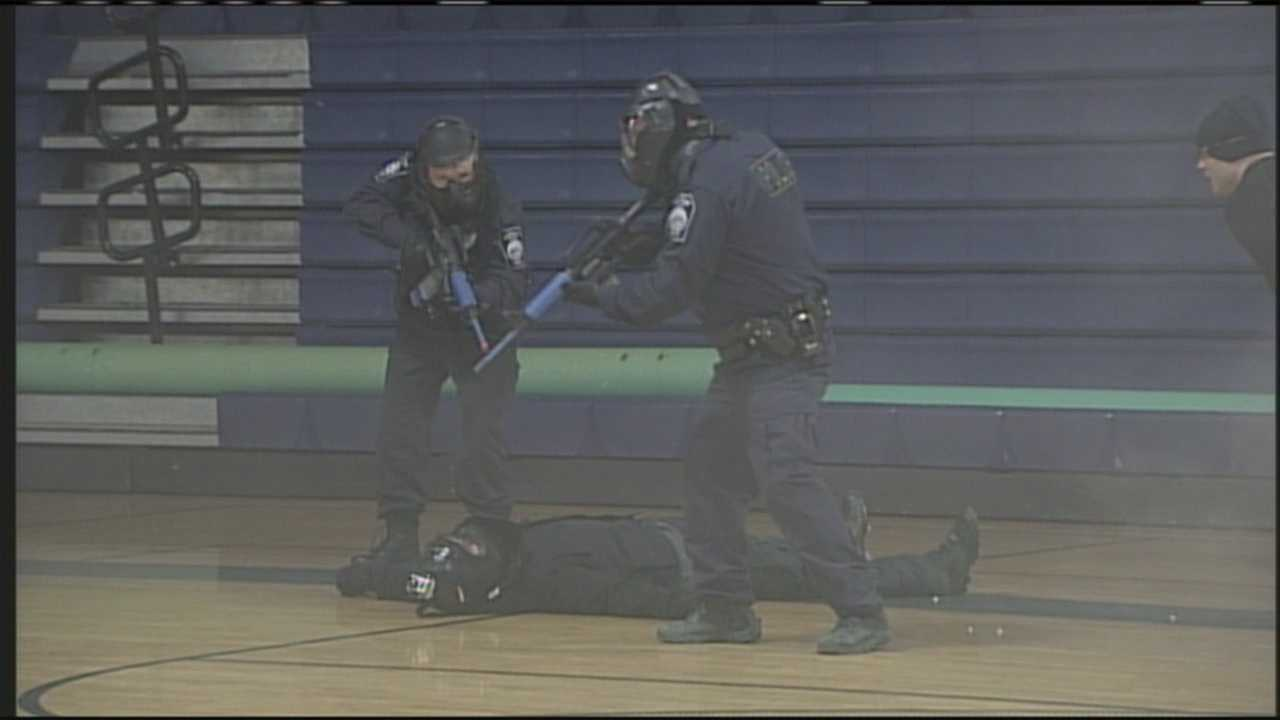 img-Kennebunk Police train for active shooter situation