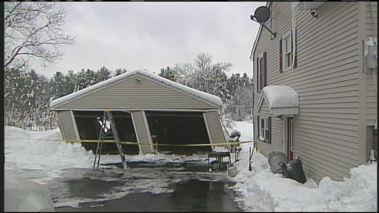 Heavy snow damages garage in York