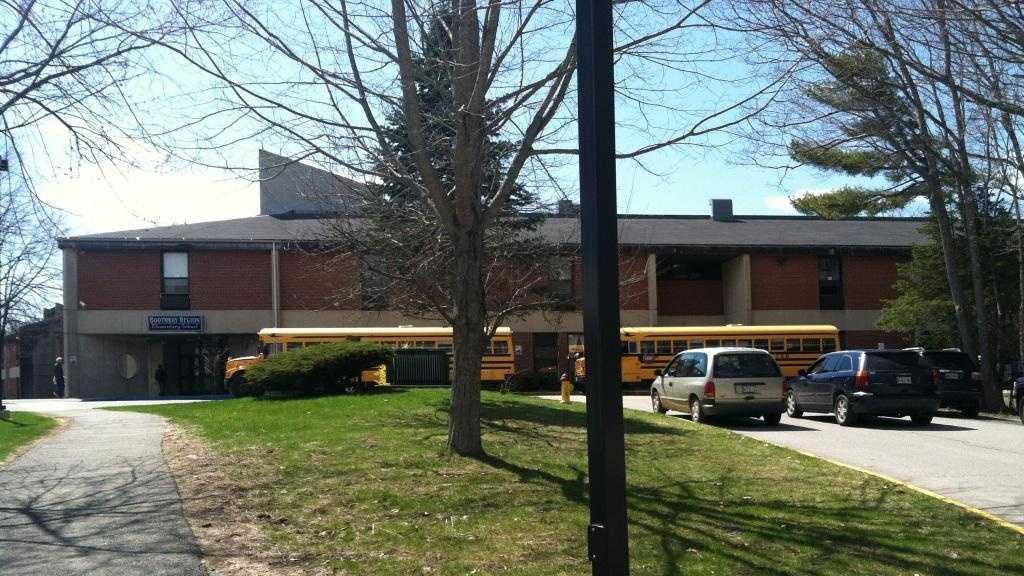 Boothbay Elementary School.JPG
