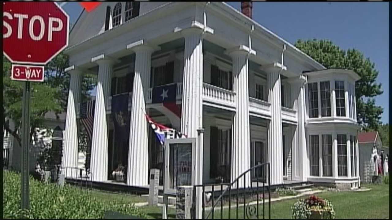 In this week's Hometown Maine, WMTW News 8's Norm Karkos takes us to Kennebunkport, where one historic home displays the legacies of two historic families.