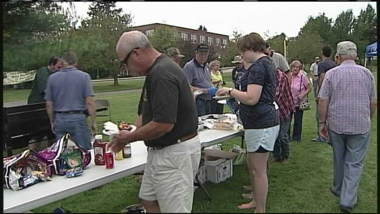 Union members and candidates came together for the annual barbecue, as the debate over the minimum wage takes center stage. WMTW News 8's David Charns reports.