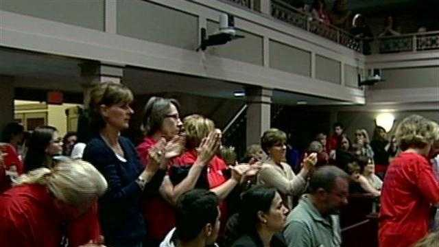 Teachers speak at Manchester school board meeting