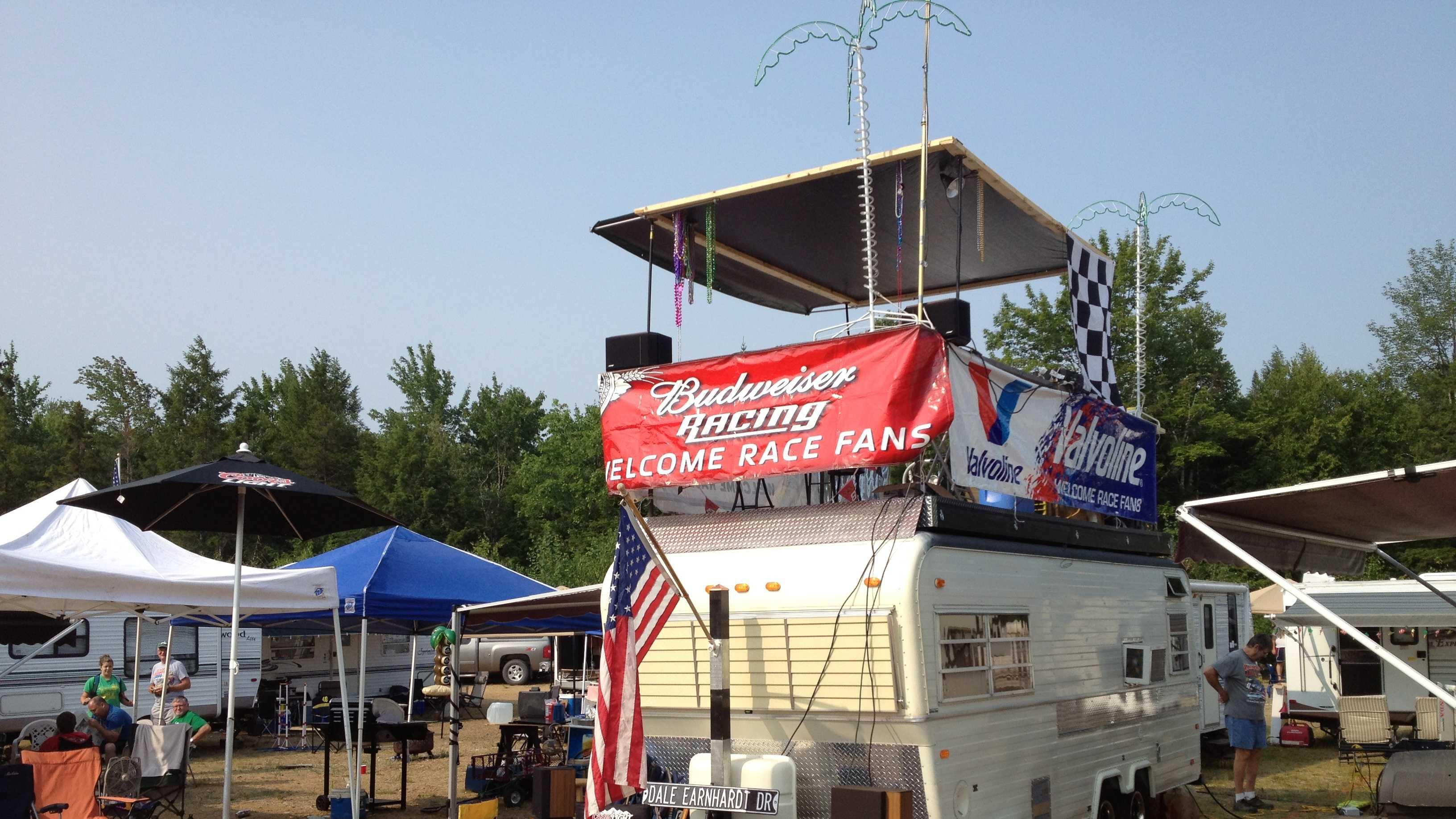 NASCAR fans arrive