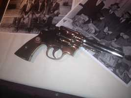 Here is Clyde's .44 Smith & Wesson gun.