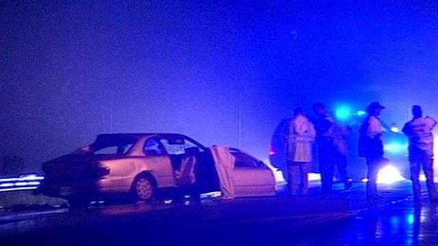 Police: 1 dead in Clinton Street crash