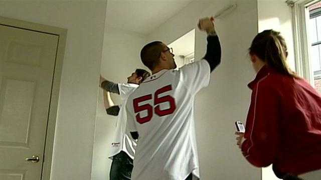Sox players help organization for homeless