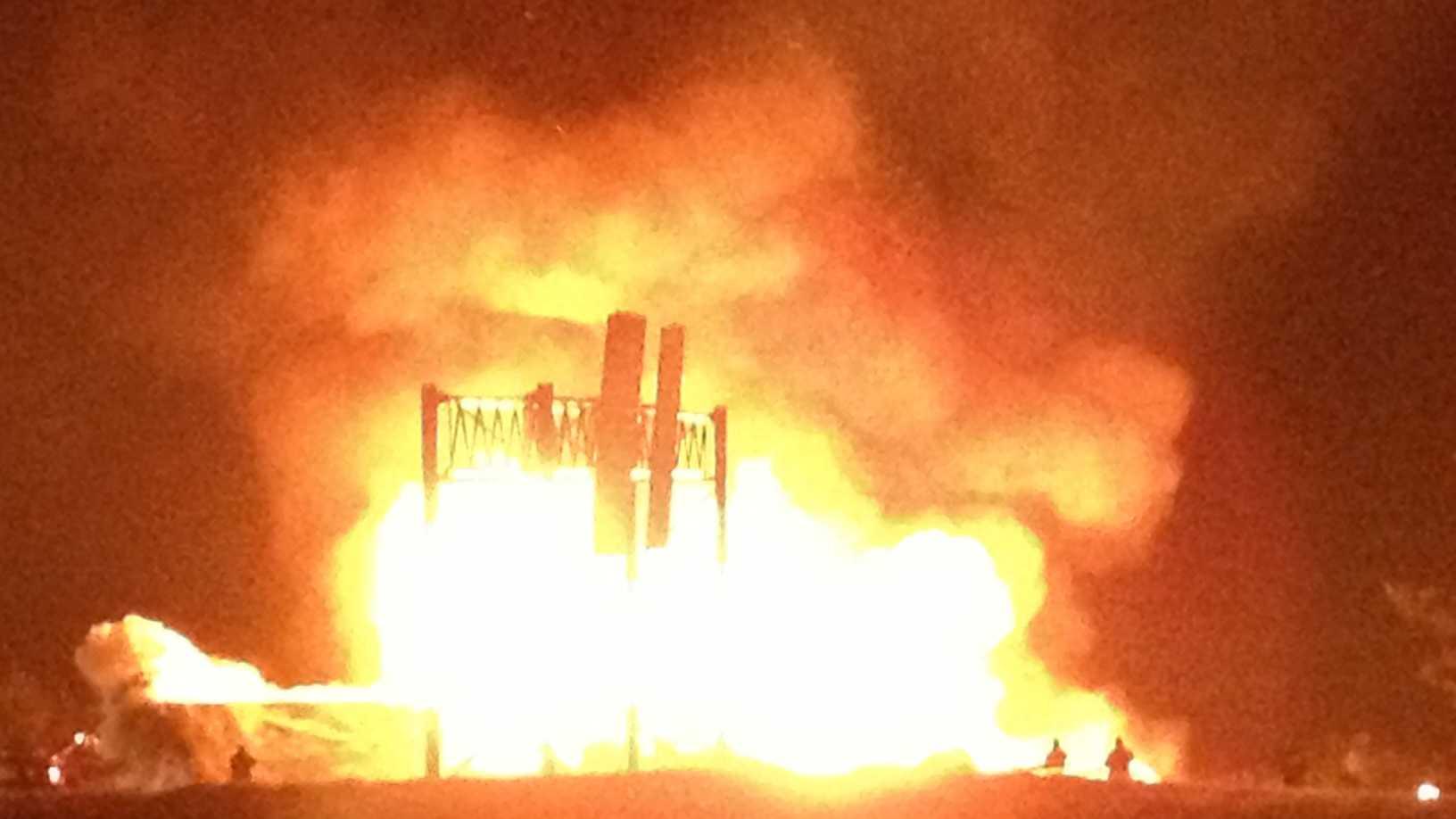 Large barn burns on S. Mammoth Road