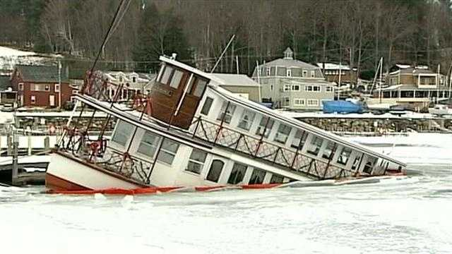 Popular restaurant ship sinks