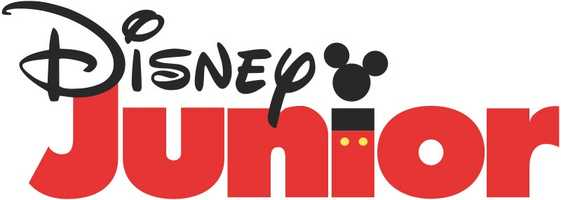 """Erin's go-to app? """"Disney Junior. It often helps to make those trips to the grocery store with 3 kids in tow a little less stressful,"""" Erin said."""