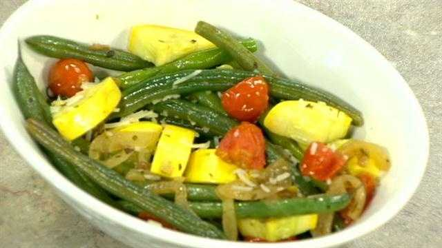 Braised green beans and vegetables