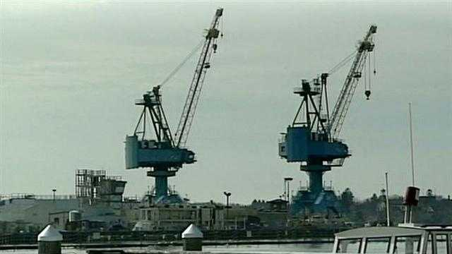 Shipyard workers prepare for furloughs