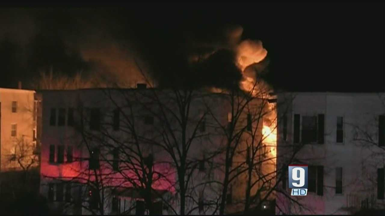 Man runs into burning building to help those inside