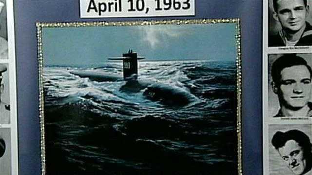 Hundreds gather to remember submarine tragedy