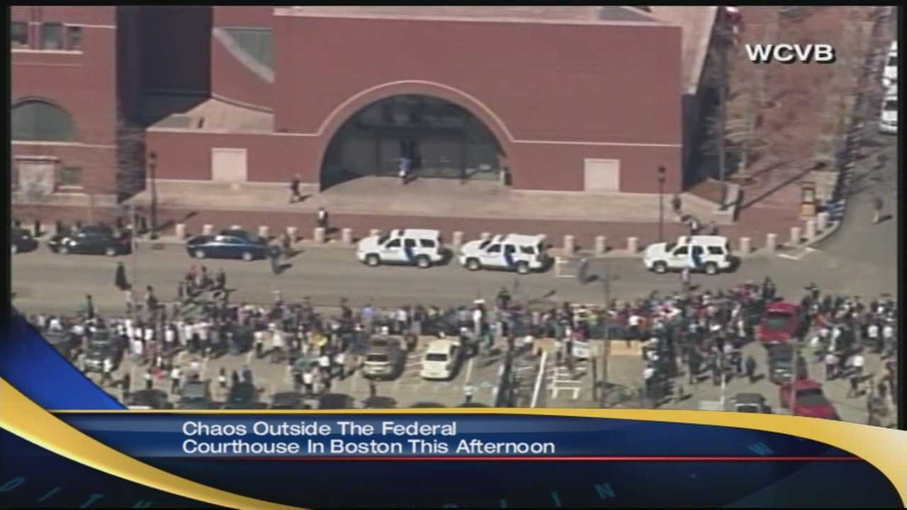 Boston courthouse evacuated for bomb threat