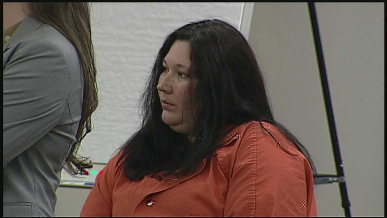 Prosecutors say woman was aware of murder plan