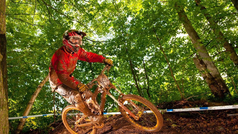 mountain-biking0521.jpg