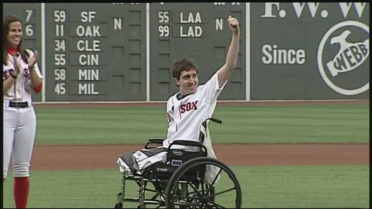 Jeff Bauman throws out first pitch at Fenway Park
