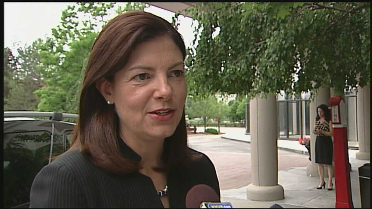Ayotte says she support immigration reform bill