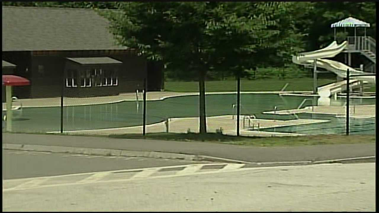 Manchester opens public pools