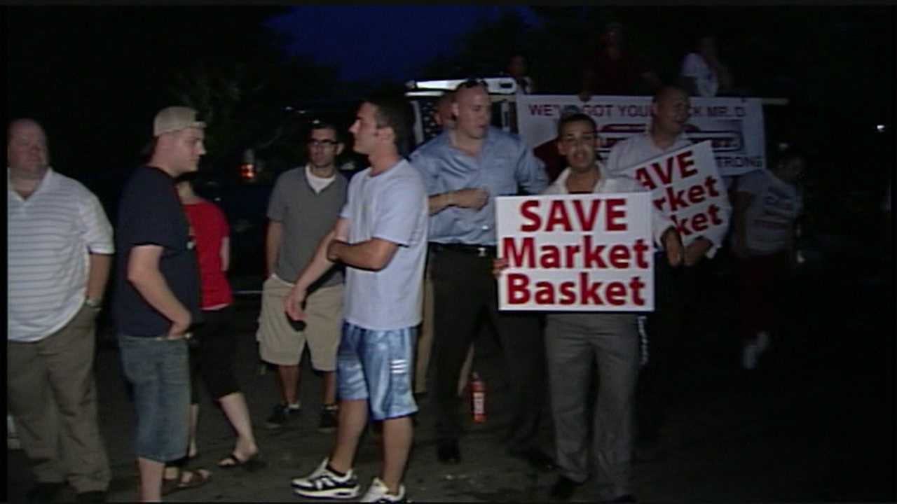 Market Basket's CEO Arthur T. Demoulas will keep his job. The Sun Newspaper in Lowell, Mass., reported he will stay at the helm after no vote was taken by the board.