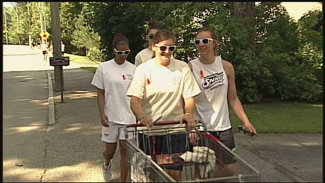 Granite Staters come together to help food bank