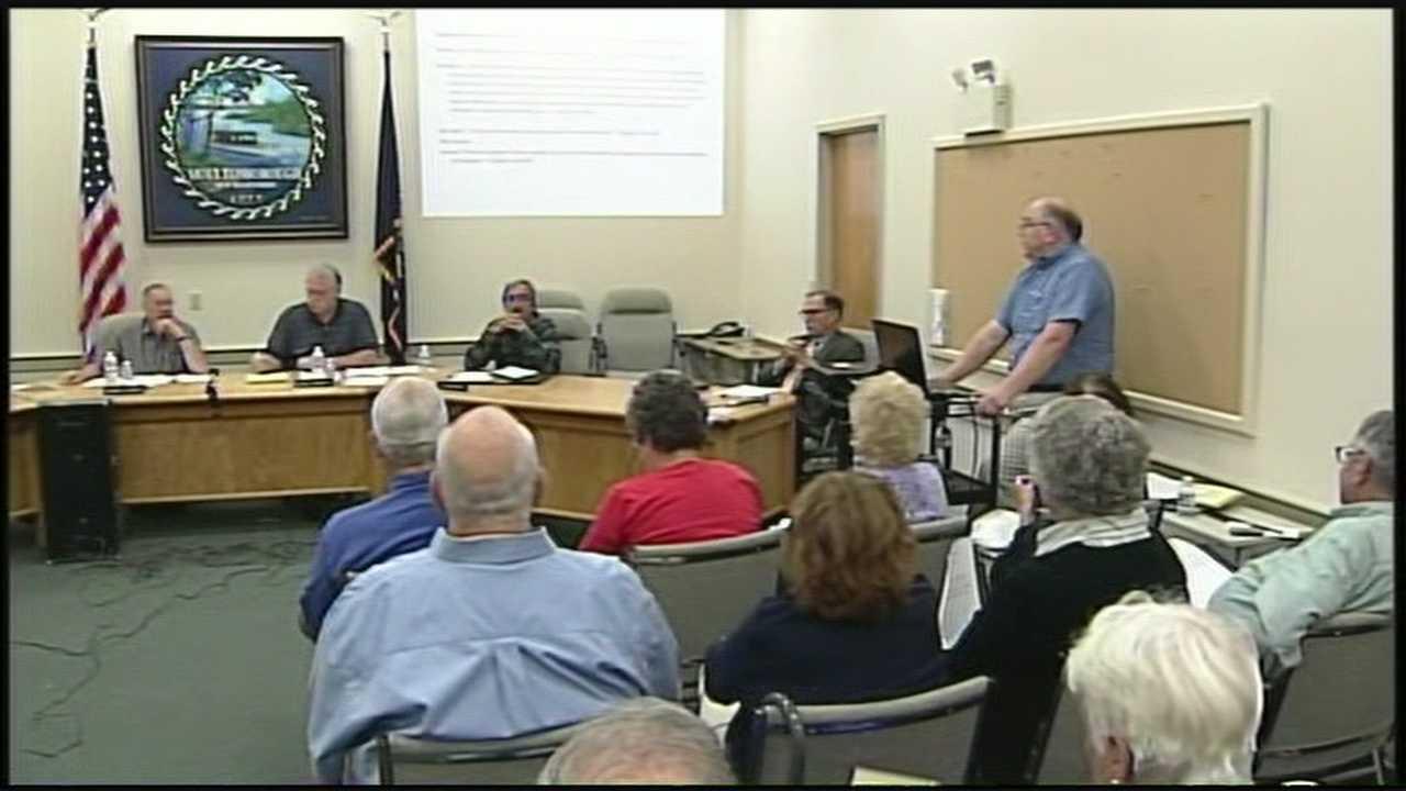 Residents defend Planning Board members