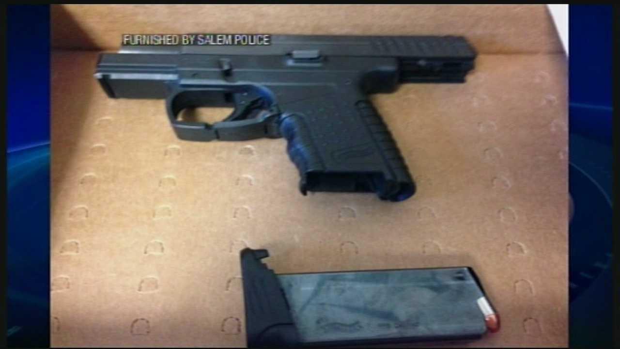 Gun fired at jogger in Salem, police say