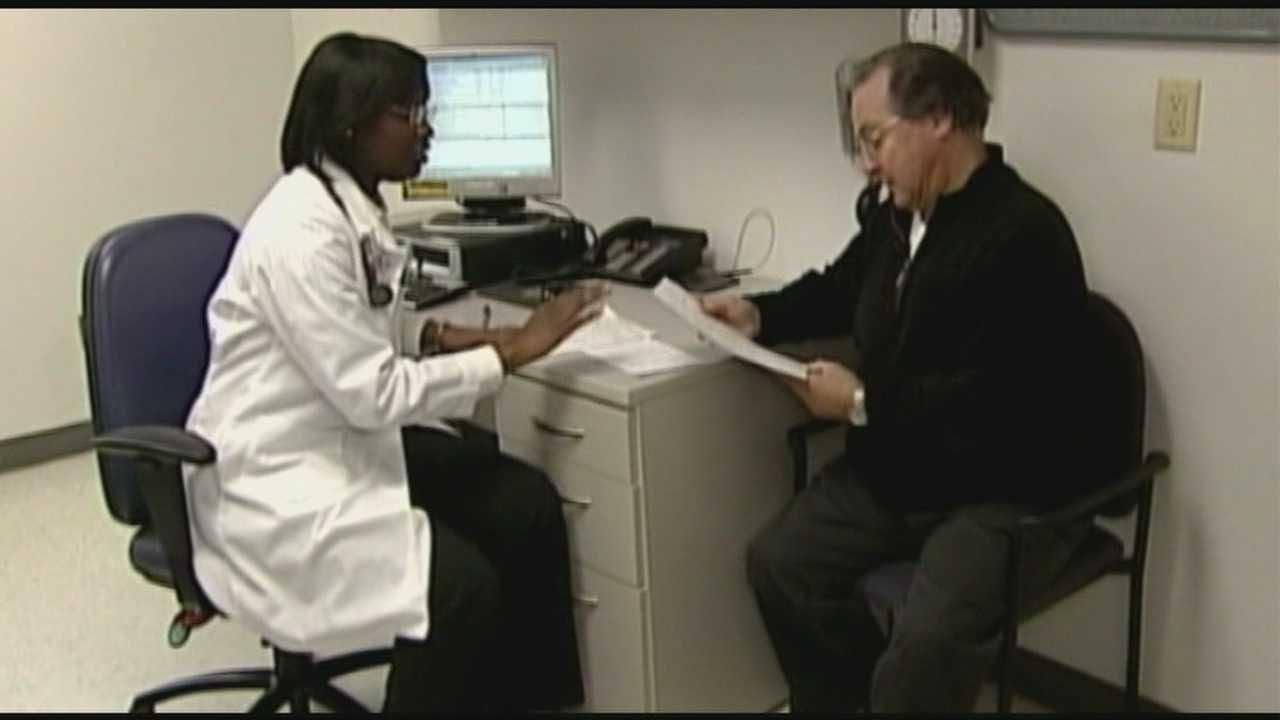 Health officials work around buggy federal website