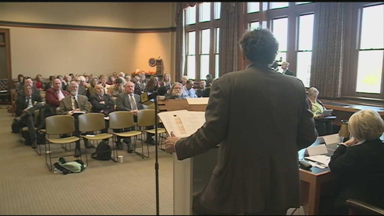 Critics question Common Core education standards