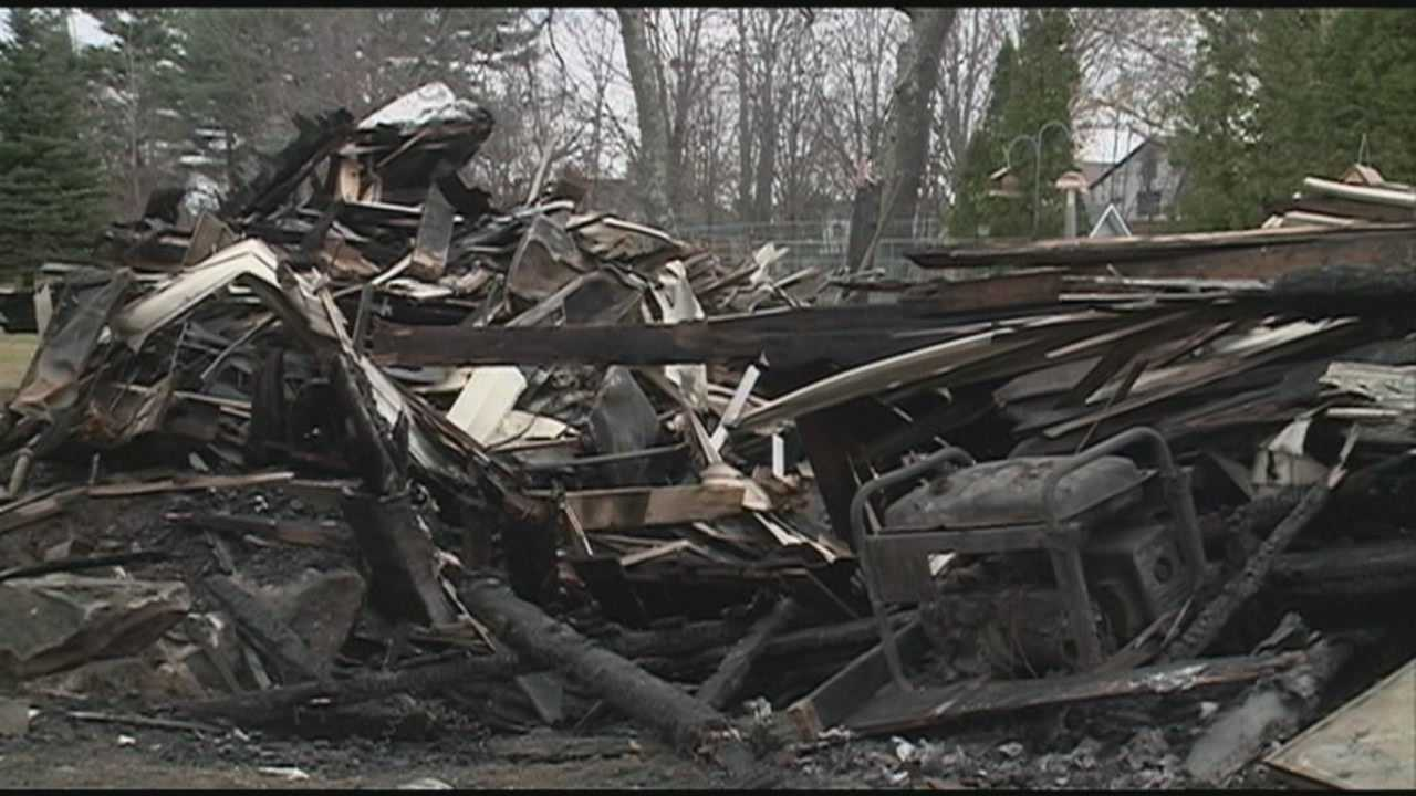 Police chief rescues Candia couple from burning home