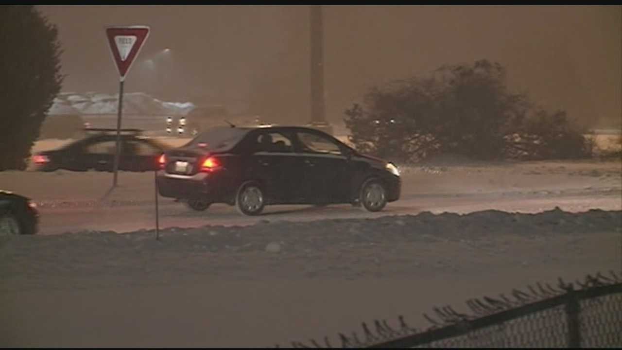 Snow makes for tough commute