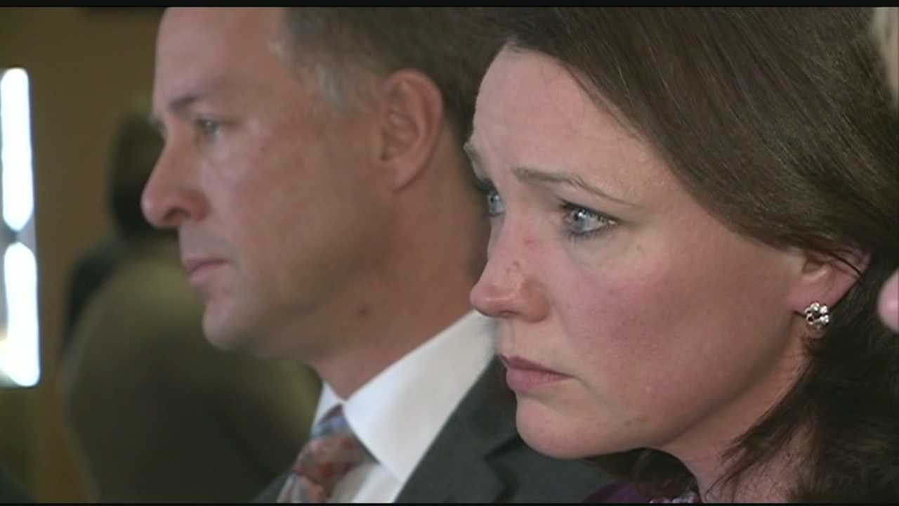 Parents of Sandy Hook victims testify in Concord